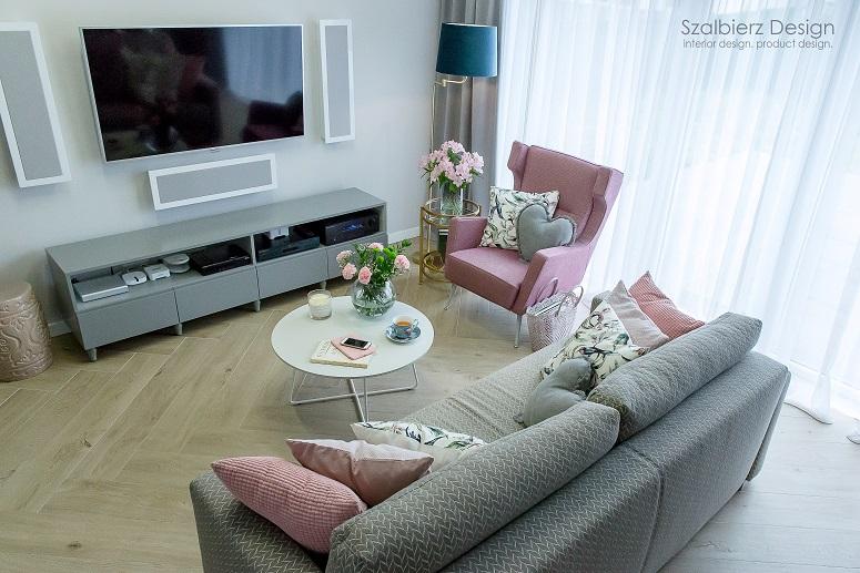 Feminine apartment