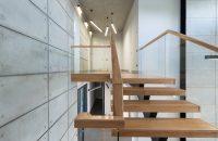 Jak oświetlić klatkę schodową w domu – porady